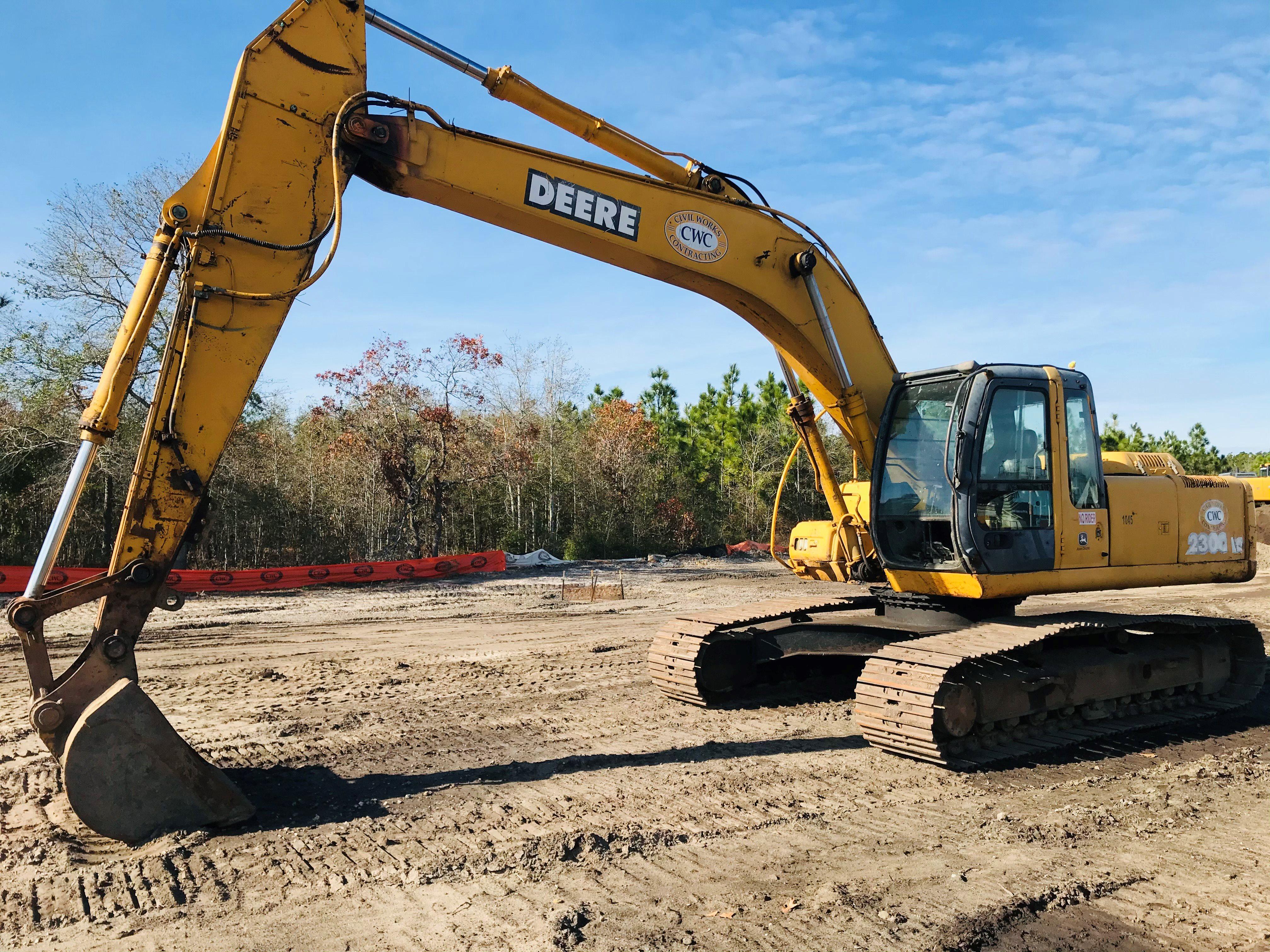 2003 John Deere 230C LC excavator