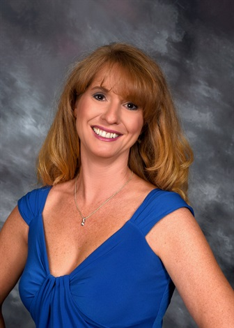 Portrait of Laura Curtis from CENTURY 21 Sunset Realty
