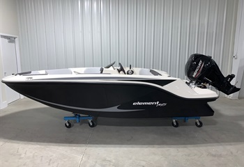 2021 Bayliner Element M15 Black Boat