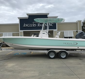 2019 Robalo R246 Cayman Sea Foam liquid-unknown-field [type] Boat
